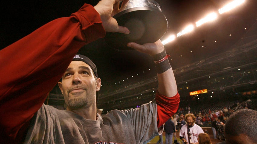 Mike Lowell with trophy in 07