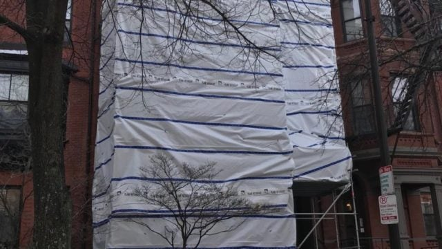 Chimney collapse in Boston townhouse; 4 workers unhurt ...