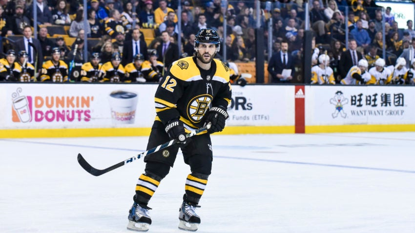 0072c8715f5 Brian Gionta And Nick Holden Fit In Seamlessly In Their Bruins Debuts